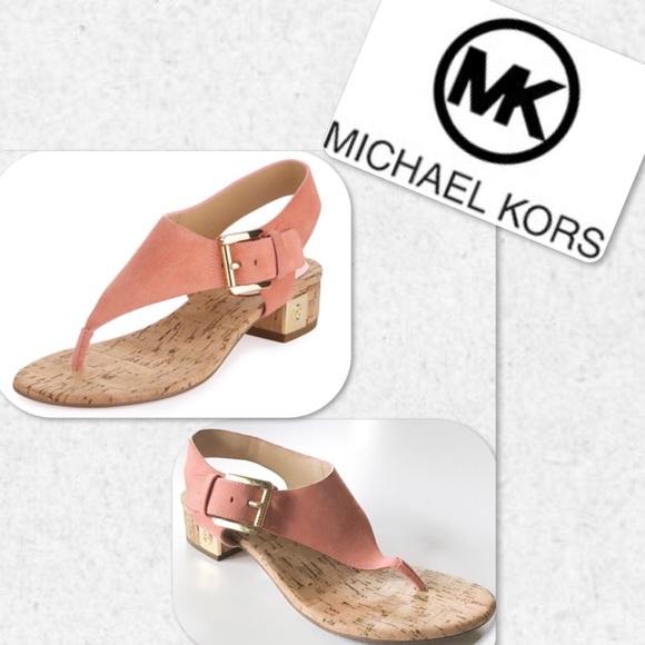 cf9441539848 Michael Kors London Thong Block Heel Sandals. M 5b39b0cfbaebf6f5a663335d